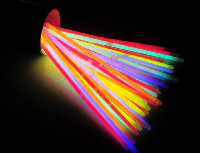Világító rudak - 100 db-os világító karkötő