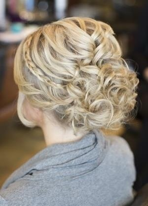 pretty up-do! I like this for a concert!