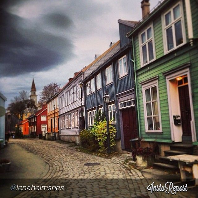 Bakklandet, #Trondheim #travel #norway Photo: @lenaheimsnes