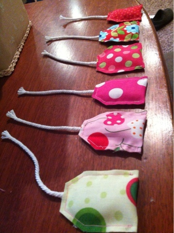 "DIY-Fabric Tea Bags ~ Eight By Five. Eleanor would love these! She loves playing ""tea party""!"