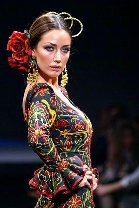 Todo sobre los peinados de flamenca paso a paso | Los Peinados