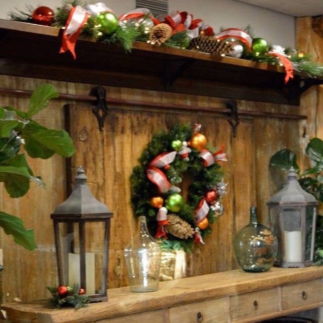 """#bells #winter #garland #red #green #Christmas #winery #décoration #decoration #architecturedintérieur #instadesigner #interiordesign #vignoble #USA #Californie #EtatsUnis #guirlande #Hiver #rouge #vert #gold #doré #argenté #silver #California #Napa #bois #branches #wood #collaboration @shandrikastudio"" Photo taken by @aurelianeangel on Instagram, pinned via the InstaPin iOS App! http://www.instapinapp.com (01/17/2015)"