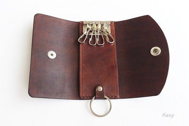 Третий четверной ключ случай KC-06-1 хранение ключей кожаный чехол темно-коричневого цвета изображения шикарных фитингов с соской