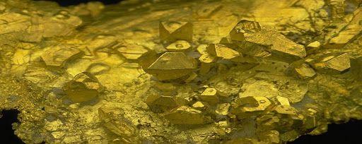 Η ΑΠΟΚΑΛΥΨΗ ΤΟΥ ΕΝΑΤΟΥ ΚΥΜΑΤΟΣ: Γιατί ο χρυσός είναι απαραίτητος στην ιατρική βιομ...