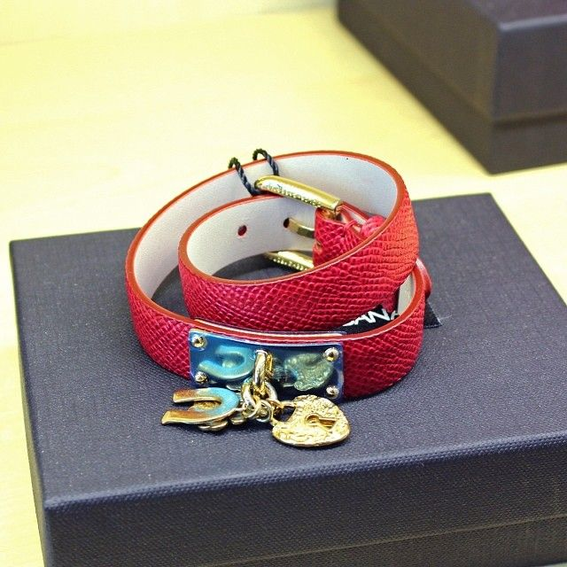 Dolce & Gabba leather bracelet #dgbracelet #modahouse #modaoutlet #dubai #uae