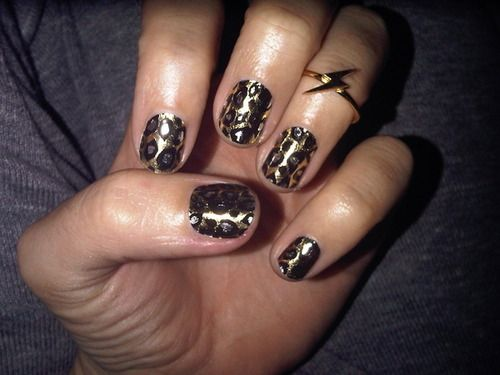 I want these nails! Rawr