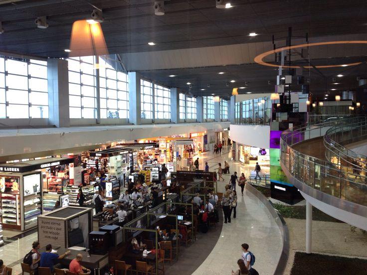 Aeroporto Internacional de São Paulo / Guarulhos (GRU) en Guarulhos, SP