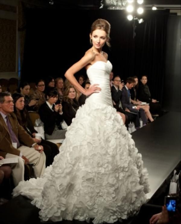 48 best VERA WANG WEDDING DRESS images on Pinterest | Vera wang ...