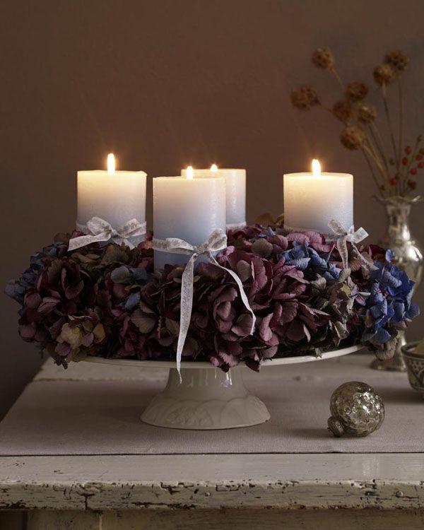 Wir feiern die Tradition im Advent und zünden jede Woche eine neue Kerze an. Doch auf welchem Adventskranz sollen sie dieses Jahr stehen? Hier kommen unsere Vorschläge.