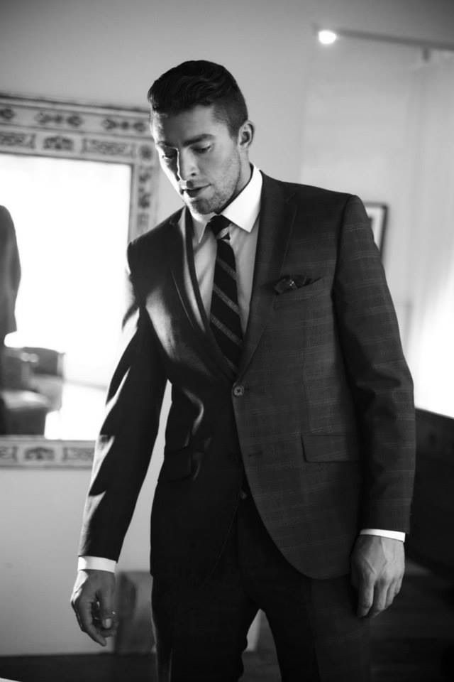 Joffrey Lupul. This is like the perfect Christian Grey photo! ❤️