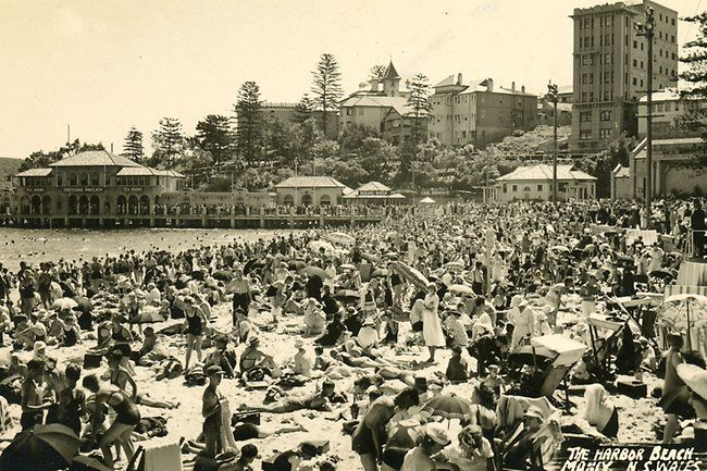 Manly harbour pool and dressing pavilion in 1935