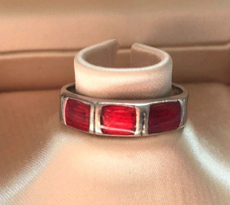 Precioso anillo de plata 925 macizo  vintage!!! tiene 60 años de antigüedad   En perfecto estado de conservación!! nuevo!! nunca usado!! lo estrenas tú!  HECHO A MANO!! Una joya!!! Tiene piedras eMatillas (color rojo)   Es muy usado como amuleto Protege de los malos espíritus Muy buscado para hacer rituales.  Talla 13  Comprado en Alemania | Shop this product here: http://spreesy.com/Aromas/44 | Shop all of our products at http://spreesy.com/Aromas    | Pinterest selling powered by…