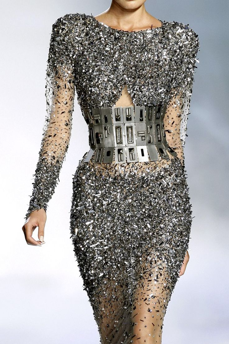 Zuhair Murad Haute Couture; dont like the beltthing, makes her shoulders big