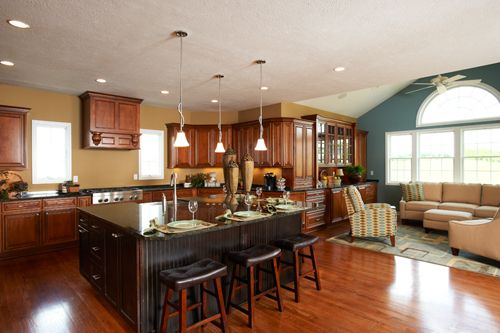 Stunning kitchen with sunroom once my nomad days are for Heartland homes pittsburgh floor plans