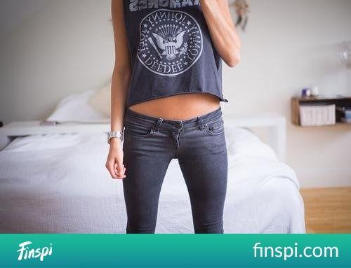 ramones #moda #brzuch #dziewczyna #stylizacja #czarna