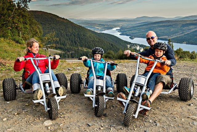 Mountain Cart is now avalible in Åre!  We take the lifts up and ride down a long nice road all the way back to Åre