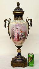 Elegante Pintado a Mano 19th C. Sevres Porcelana Florero Antiguo Francés de 25 pulgadas de alto
