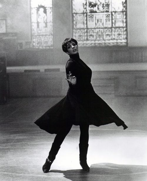 oldhirespublicityphotos: Liza Minnelli -Stepping Out (1991)