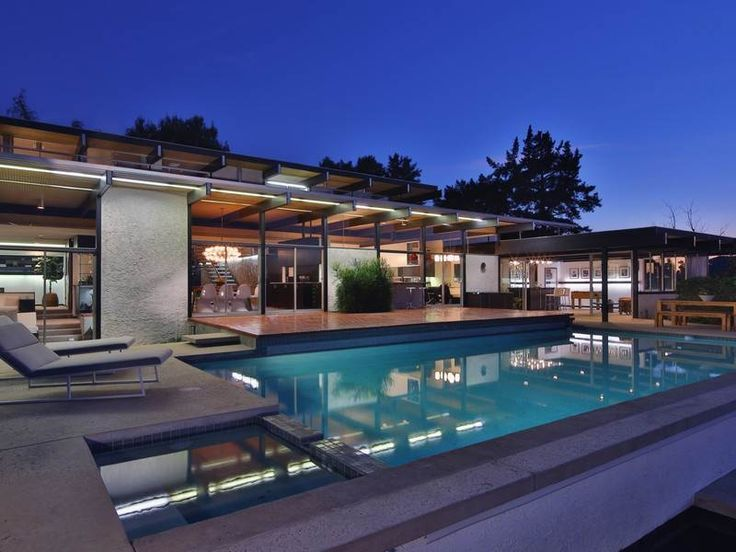 A 44 year old home in California that still looks as new as the day it was built
