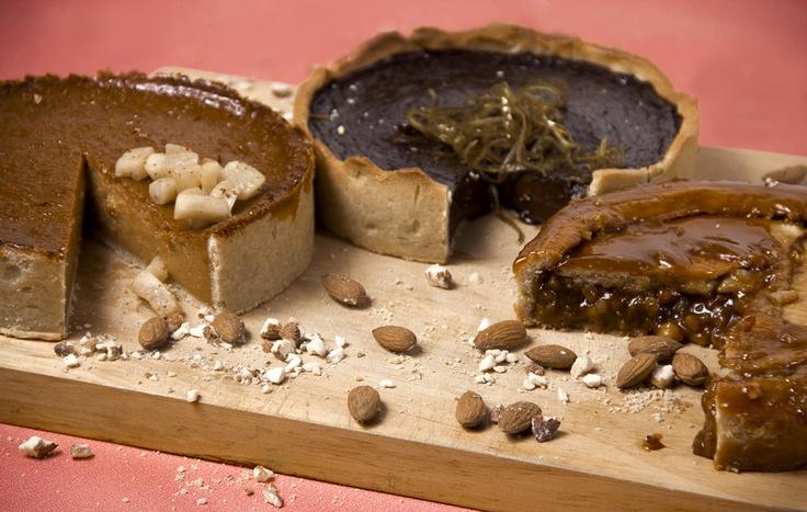 Tartas de Manzana (apple), Chocolate y Almendras (almond) / Malva Repostería / Foto: Trendy / 2012