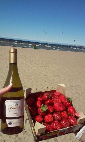 Estonian beach&fench wine&sweet strawberry