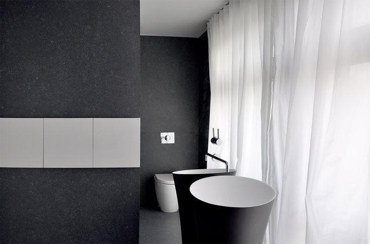 PULVA, minimalistic, interior design, minimal, modern, materials, home, homestyle, house, dom, light, details, texture, white, pure, black, bathroom, toilet, antonio lupi, zucchetti