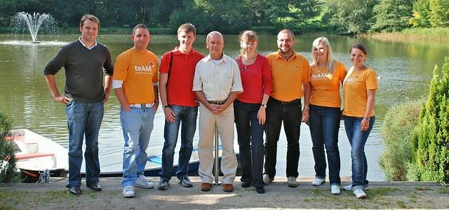 22. September 2009: Zum Auftakt der Südharz-Tour empfing mein Team und mich bestes Wetter. Vom Gondelteich ging es durch Neustadt.