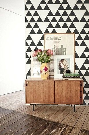 Black White Triangles Wallpaper - fantastic monochrome look, great for living rooms.