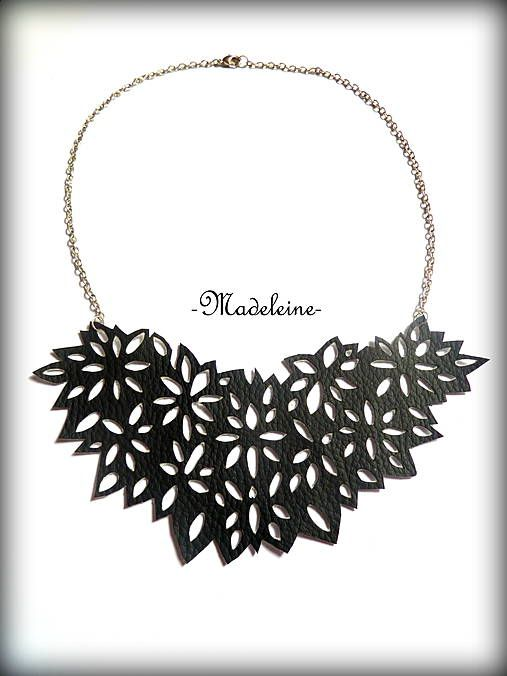 -Madeleine- / lace necklace