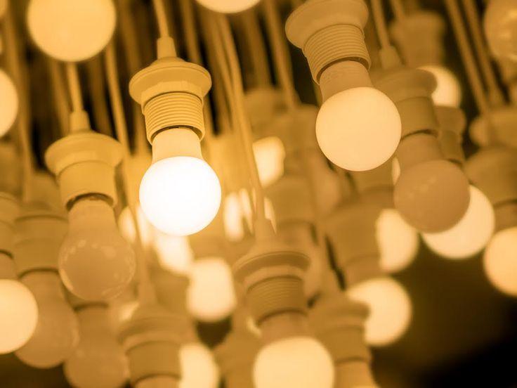 LED las hace resistentes a las inclemencias del tiempo, a las vibraciones y a los impactos de baja intensidad. ¿Necesiras más razone para usar luces LED? Visita el blog de MOLEO donde te contamos más detalles de las luces LED