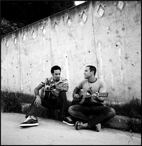 Ben Harper & Jack Johnson Los Angeles, CA 2005  © DANNY CLINCH