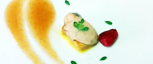 Ostriche in gelatina su crema di pere nashi