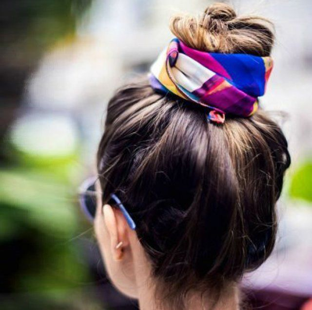 Coiffure accessoires chignon avec foulard
