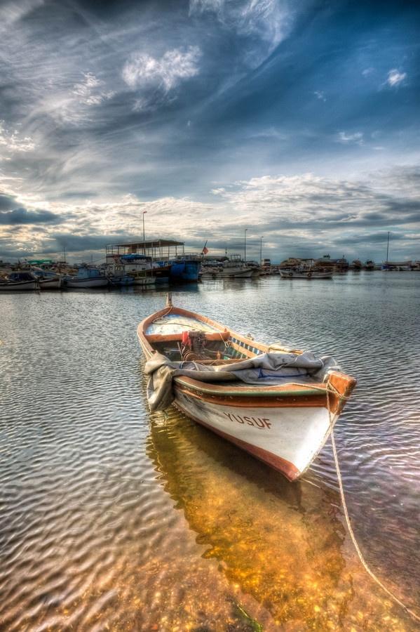 """500px / Photo """"A boat"""" by Nejdet Duzen"""
