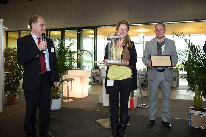 Last Tuesday April 13th Nanolive won the first Lab Innovation Award at the Lab Innovation Lausanne. A very important success for us since it's a prize that comes from our city and since it was the result of a public vote from all the participants to the conference who had the occasion to come and test the 3D Cell Explorer live.
