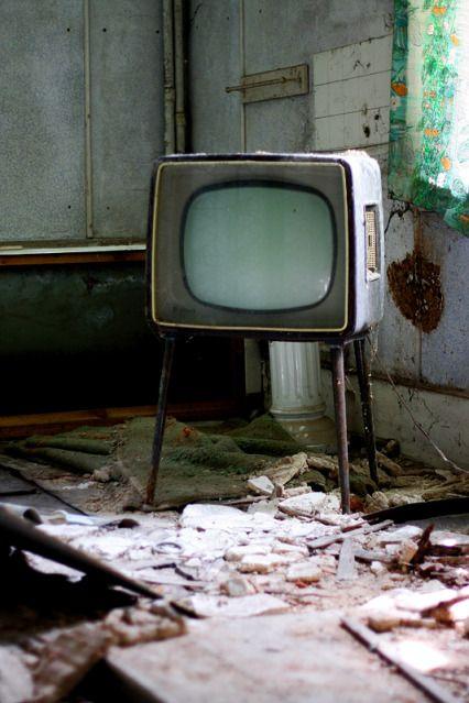 Abandoned TV, Highland Manor