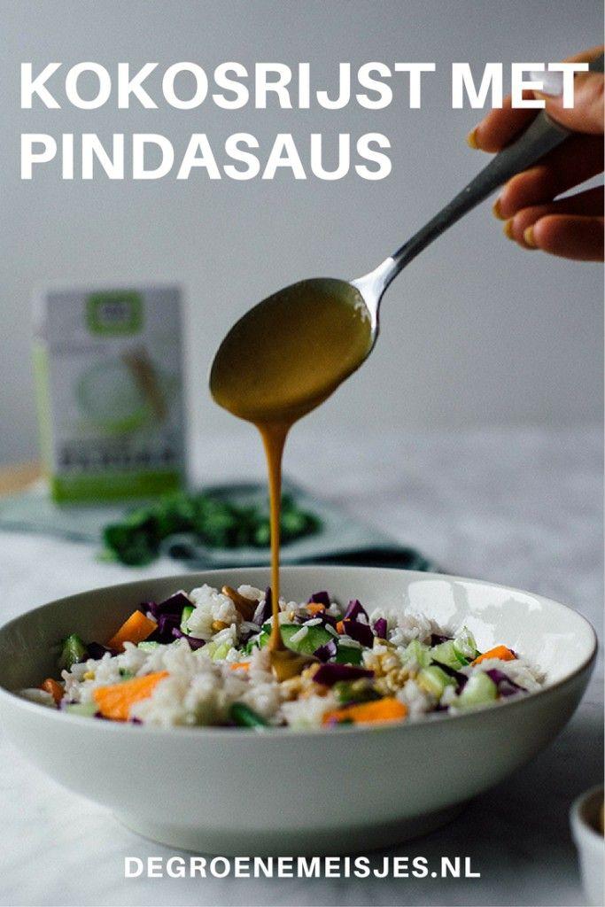 kokosrijst met groenten en pindasaus | Pandan rijst, kokosmelk, komkommer,  wortel, rode kool, bosui, cashewnoten, verse coriander | vegan | hoofdgerecht