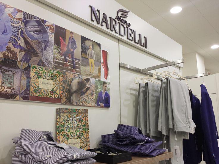 disegni retrò e colori appariscenti per la nuova collezione Angelo Nardelli 1951 che si ispira ai mitici anni '70   #adrianpam #look #tagforlike #camicie #weloveit - www.adrianpam.it