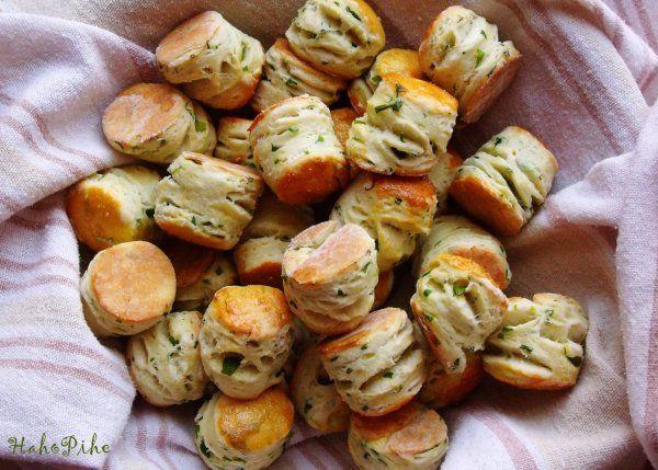 Pogácsa a hűtőből, kókuszzsírral http://hahopihe.cafeblog.hu/2014/03/14/pogacsa-a-hutobol-kokuszzsirral/