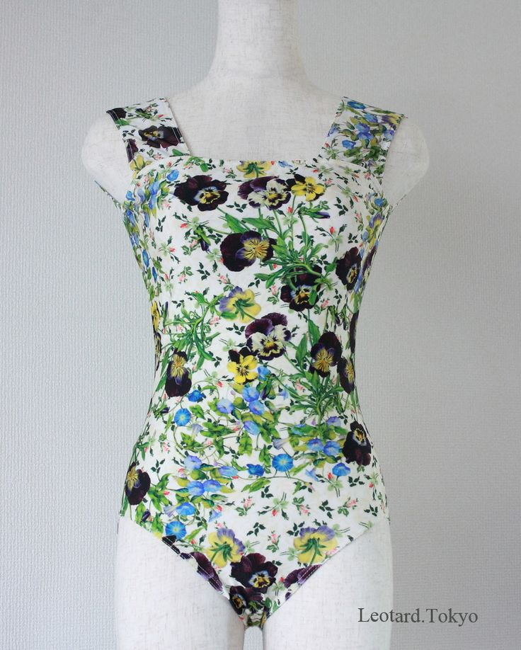 Leotard. Tokyo 200枚のオリジナルデザインから選ぶ、日本の縫製士による クラシックバレエレオタードの製作。2017年夏、いよいよサイトOPEN!  Classic Ballet Leotard, The art made by a Japanese sewing man, with 200 of fabric design.  #leotardtokyo #leotard #Ballet #customleotard #balletwear  #バレエ #レオタード #バレリーナ #ダンスウェア #ダンス  #バレエウェア