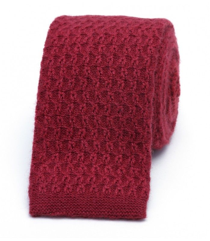 Wine coloured knitted cashmere #giftguide2017