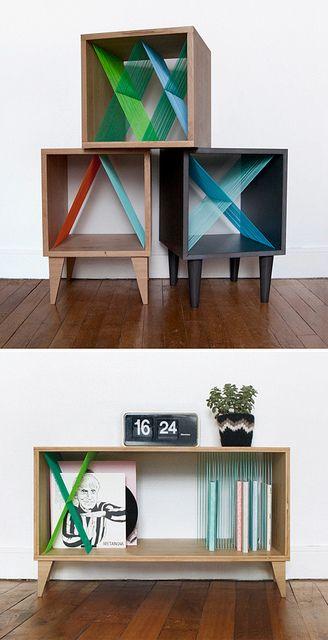 Consoles avec des solutions de stockage graphiques fabriqué à partir de chêne & de scoubidous. //  Elsa Randé