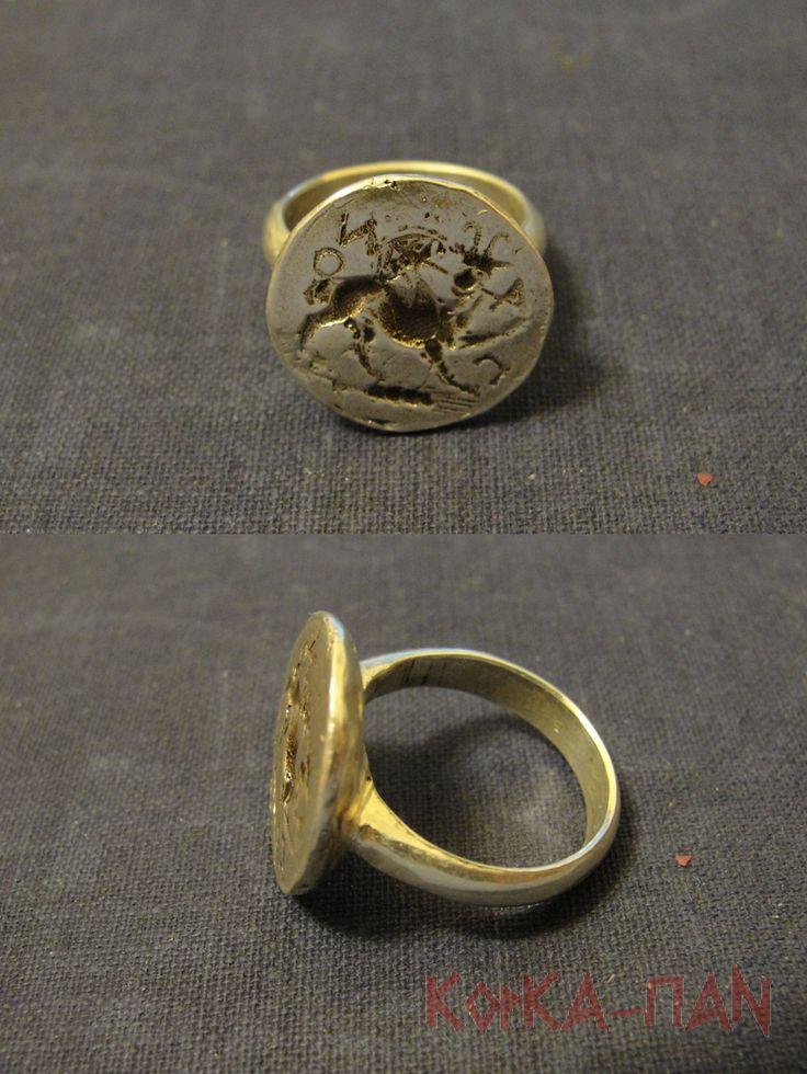 Серебряный перстень-печатка с грифоном. На основе отпечатка монеты Пантикапея. \ Silver ring-seal with the Gryphon. On the basis of fingerprint coins of Panticapaeum.