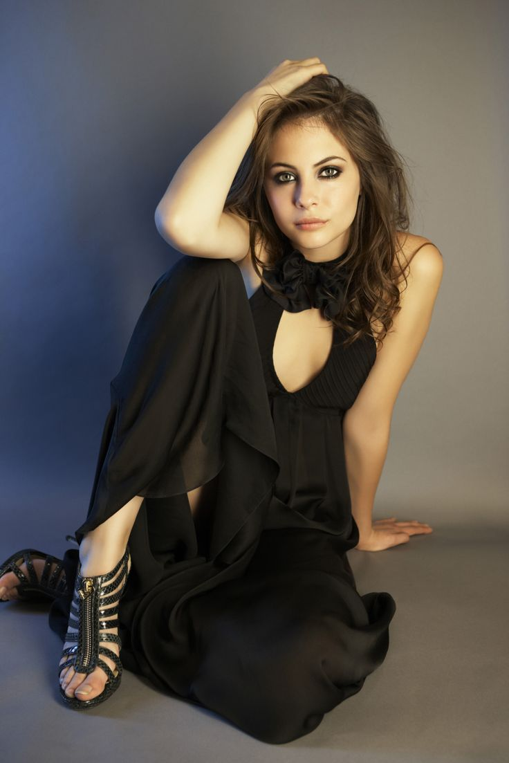 Artist Reference | Fabric Folds | Willa Holland Photoshoot