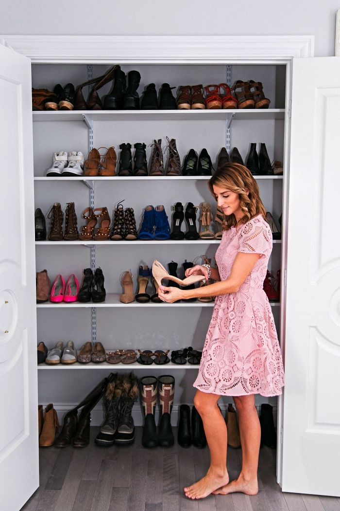 1001 Idees Pour Amenager Un Dressing A Chaussures En 2020 Dressing Dressing Chaussures Amenagement Dressing