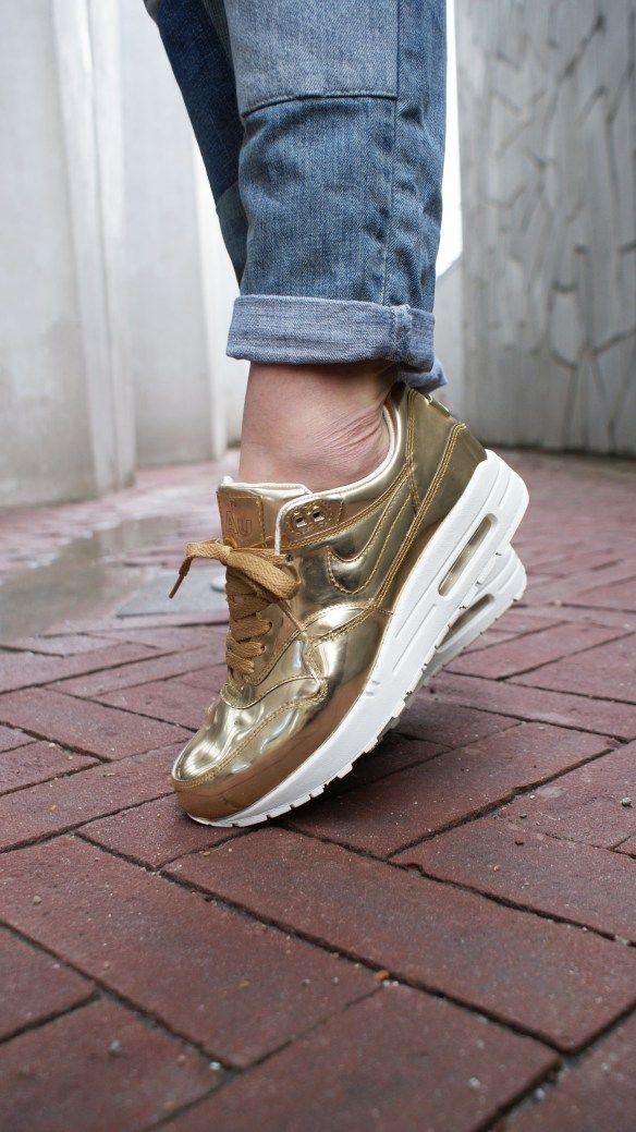 on Sneakers fashion, Nike air max, Sneakers nike
