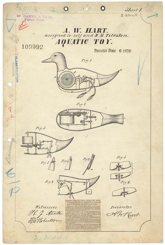 """Un anatra animatronic con le gambe motorizzate, in modo che possa fare il bagno da solo.  Bollato come un """"giocattolo acquatico"""".  Brevettato nel 1870."""