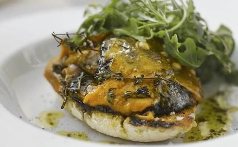 Grilled field mushrooms with Red Leicester