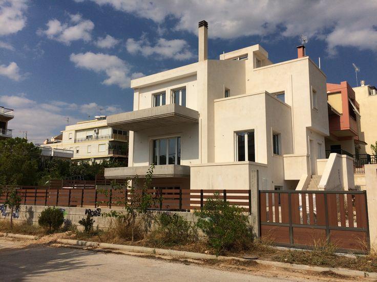 Οικία στην Άνω Γλυφάδα με ενεργειακά κουφώματα Europa 5500 Hybrid. http://alouminia-koufomata.gr