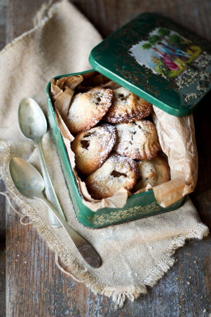 Vegan apple mini pies
